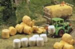 Faller 272562 N Scale Silo and Straw Bales - Epoch IV